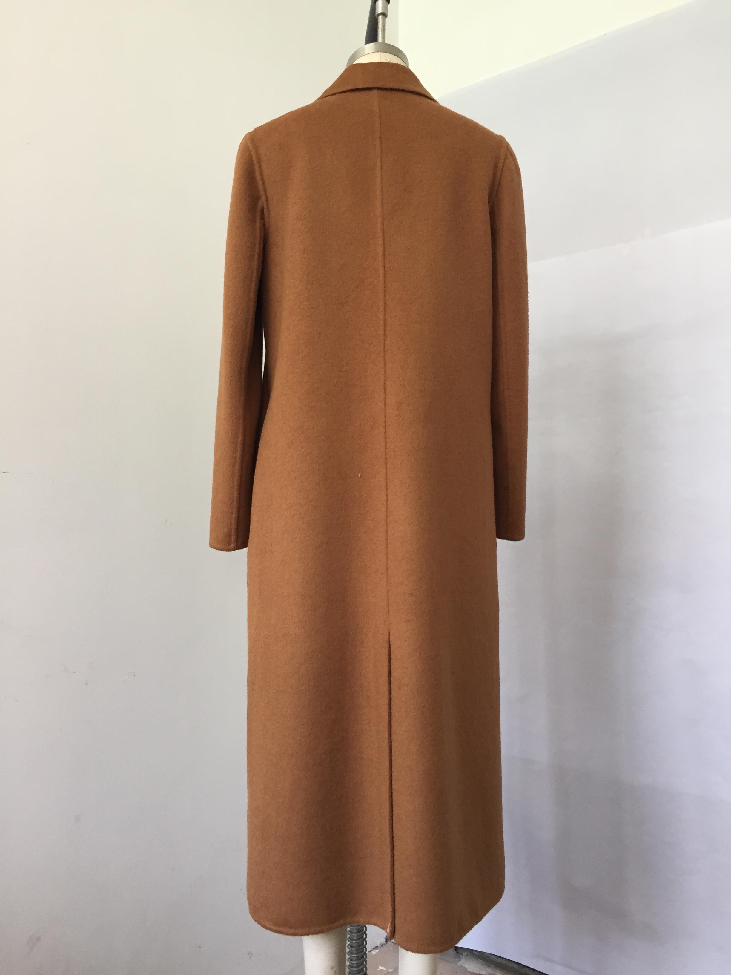 D-17002咖啡色双面呢大衣